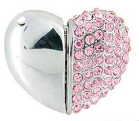 Розовая флешка в форме сердечка